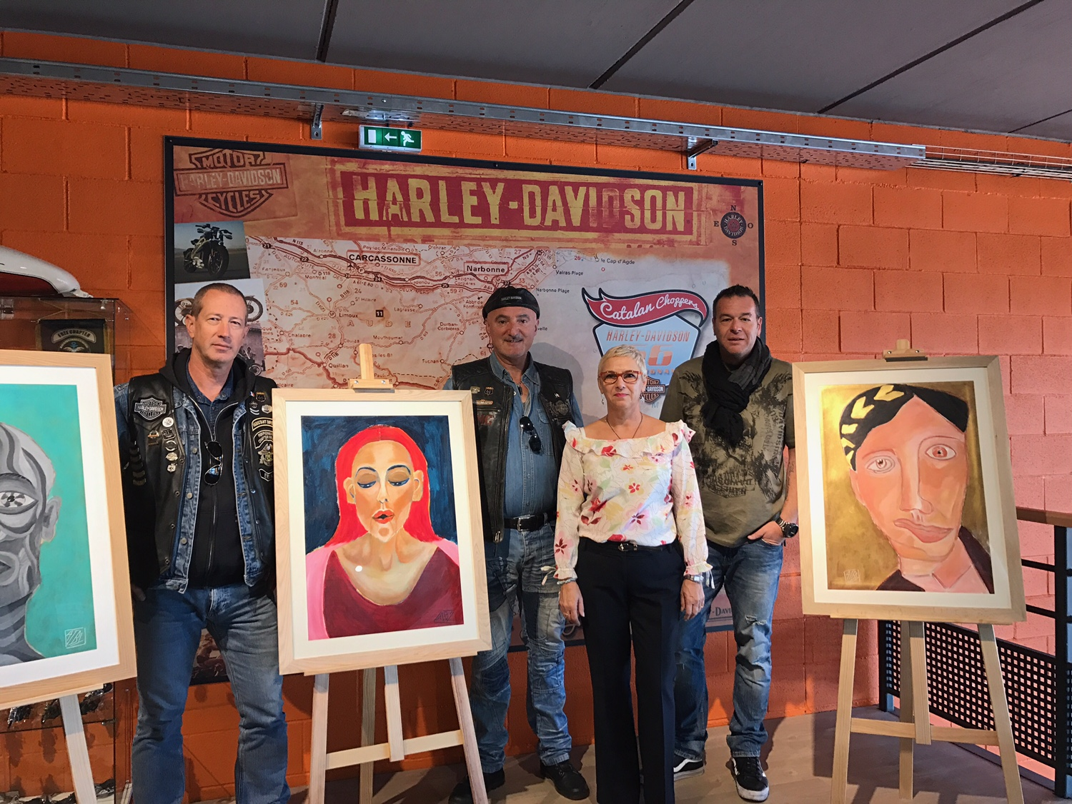 perpignan exposition l artiste aiby s installe la concession harley davidson. Black Bedroom Furniture Sets. Home Design Ideas